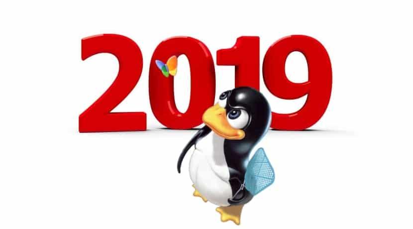 Tux Linux y número 2019