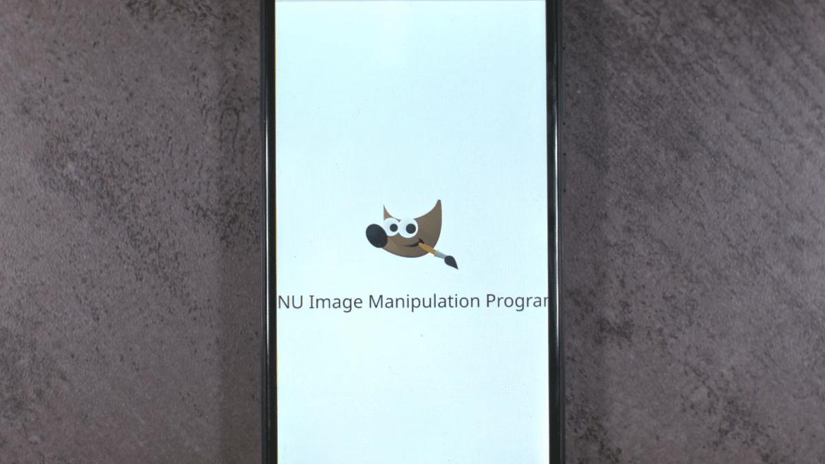 PinePhone ejecutando GIMP