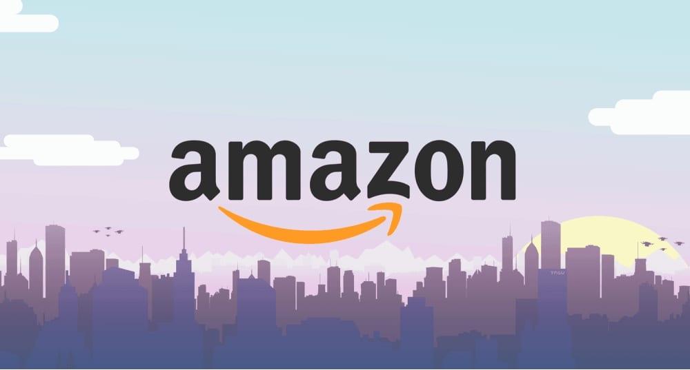 Amazon Logo y fondo del skyline de una ciudad