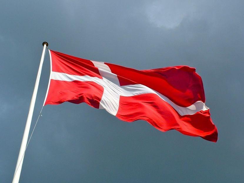 Bandera de dinamarca rojiblanca