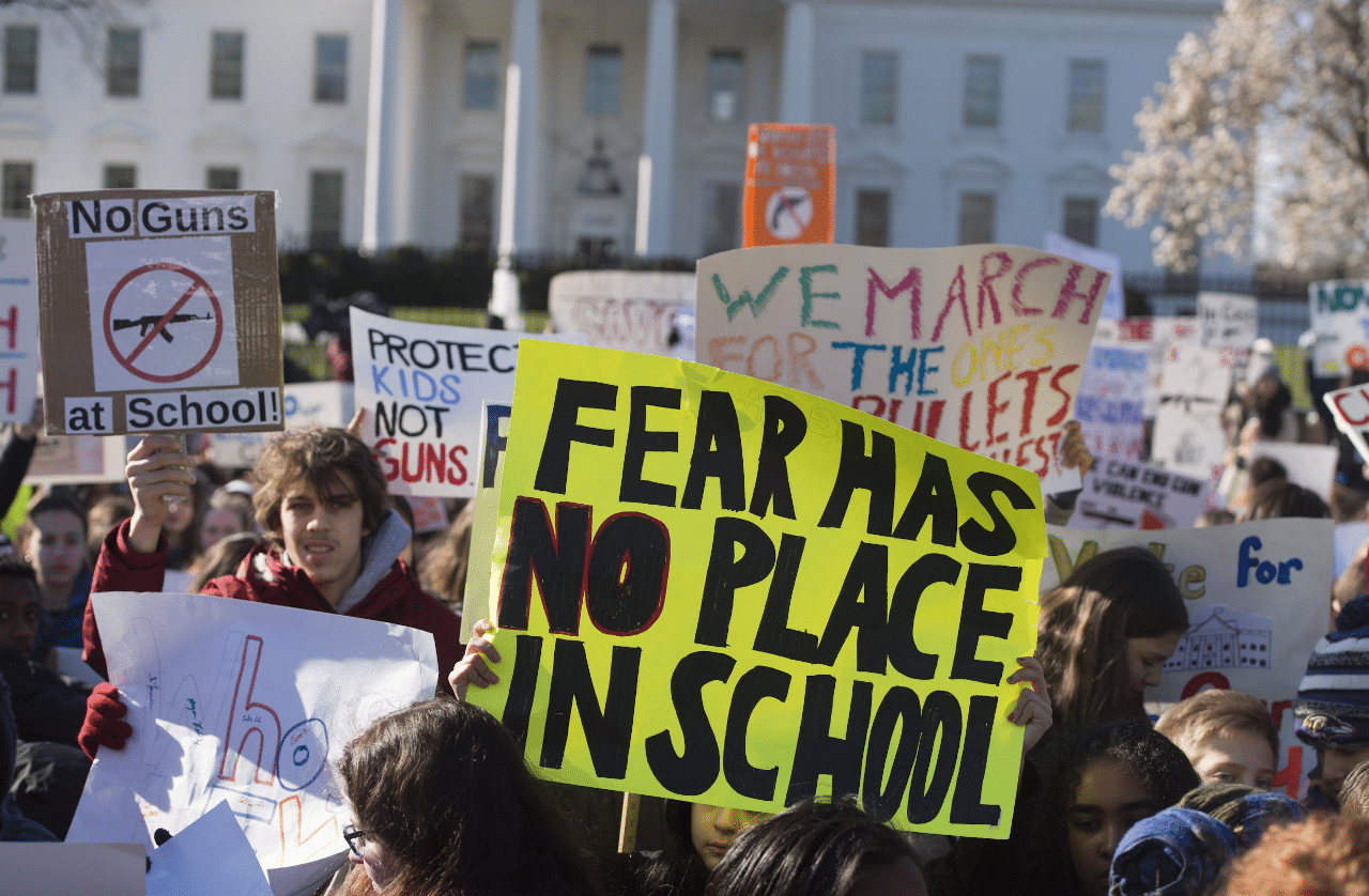 Marcha por leyes que impidan los tiroteos en las escuelas
