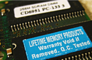 "Chip de memoria flash e inscripción ""lifetime"""