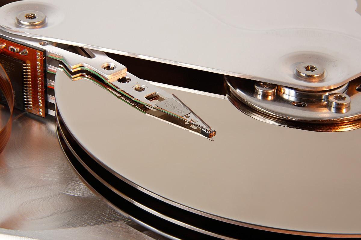 Platos y cabezal de disco duro