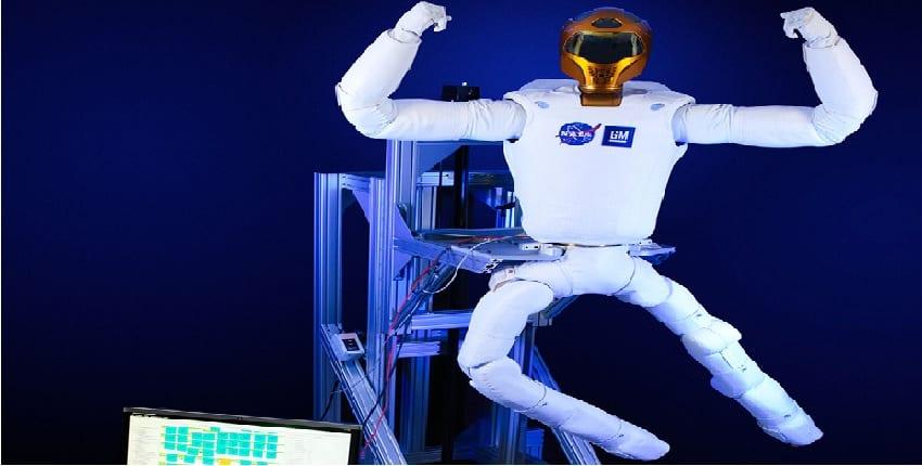 Robot R2 con sus piernas integradas