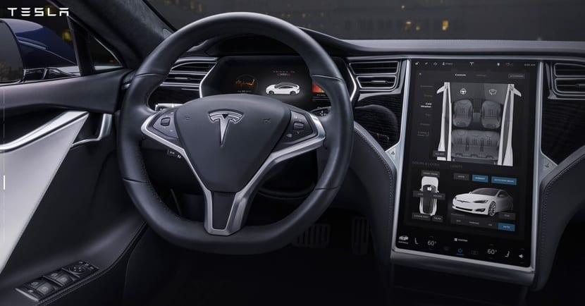 Tesla con Linux en el ordenador