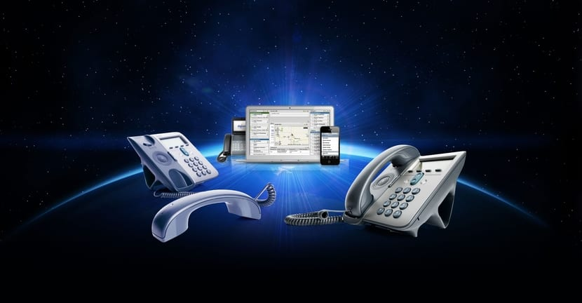 VoIP: teléfonos y software en el centro