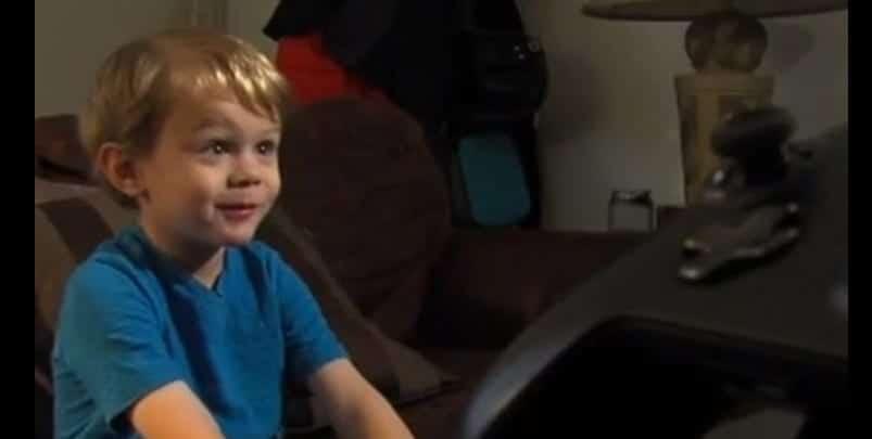 El niño causante del altercado, Kristoffer